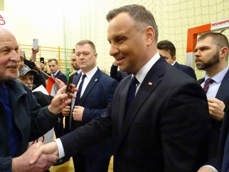 W czwartek wieczorem w Chełmnie była okazja spotkać się z prezydentem RP Andrzejem Dudą. Do Miasta Zakochanych przyjechał jako ubiegający się o reelekcję.