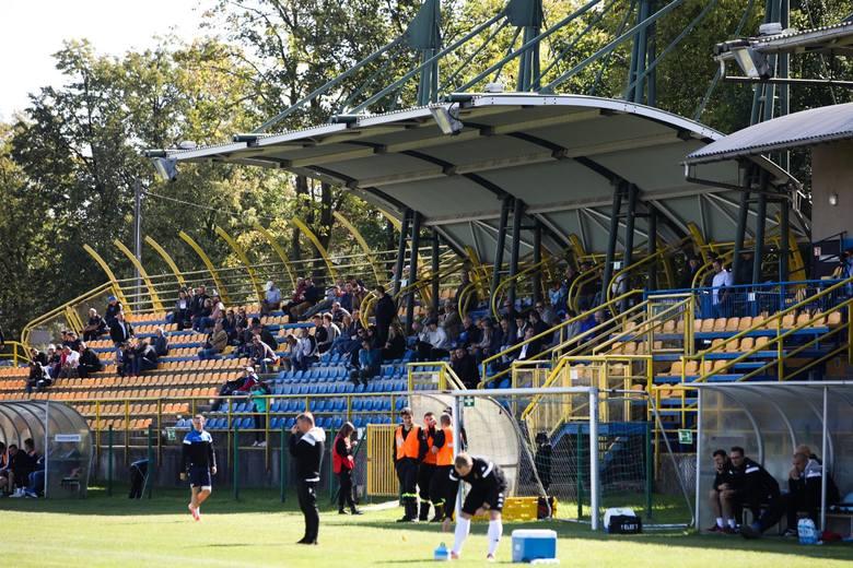 Trzecioligowe mecze w roli gospodarza Jutrzenka rozgrywa na stadionie w Zabierzowie