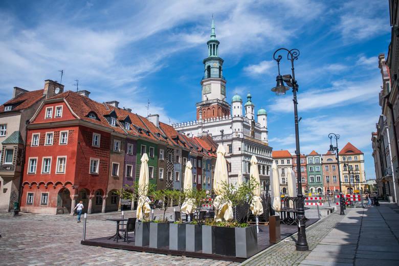 Poznańscy restauratorzy szykują się na otwarcie ogródków gastronomicznych 15 maja 2021 r.Poznań: Otwarcie sklepu Primark w Posnanii