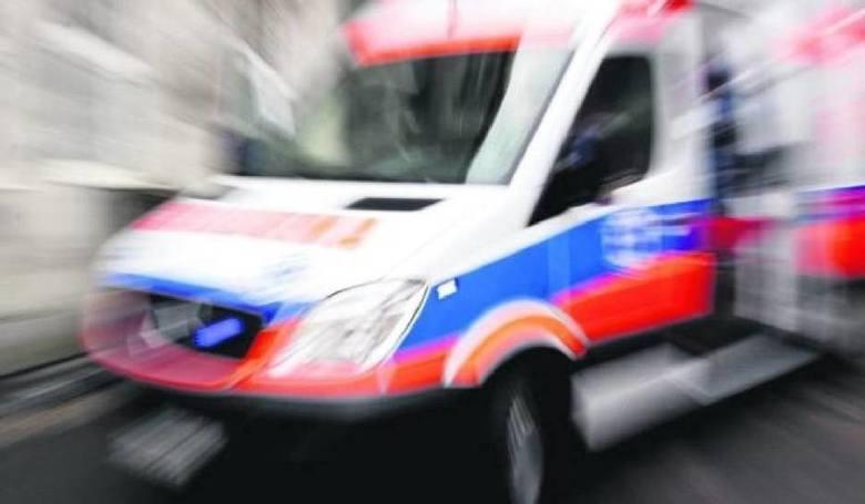 Wypadek na drodze wojewódzkiej nr 108. Cztery osoby przewiezione do szpitala