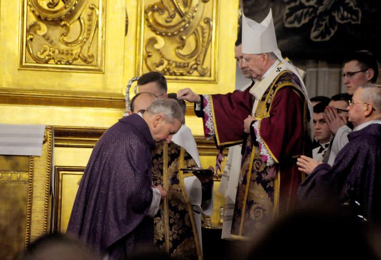 Uroczystej mszy świętej w Katedrze Wawelskiej w Środę Popielcową przewodniczył ks. abp Marek Jędraszewski.