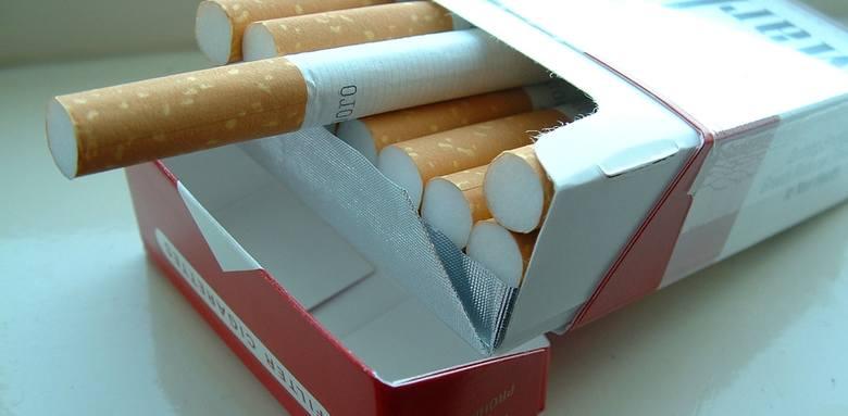 Oszust nie wyłudzi od żadnego sprzedawcy już ani jednej paczki papierosów.