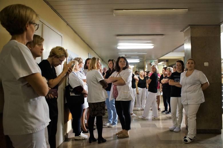 W inowrocławskim Wielospecjalistycznym Szpitalu im. dra. Ludwika Błażka wznowiona została akcja protestacyjna. Obecnie nie odbywa się ona pod egidą tylko