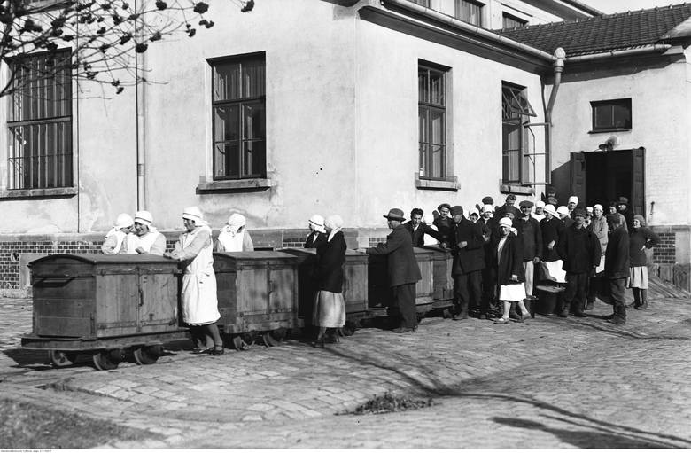 Pacjenci szpitala podczas pracy.