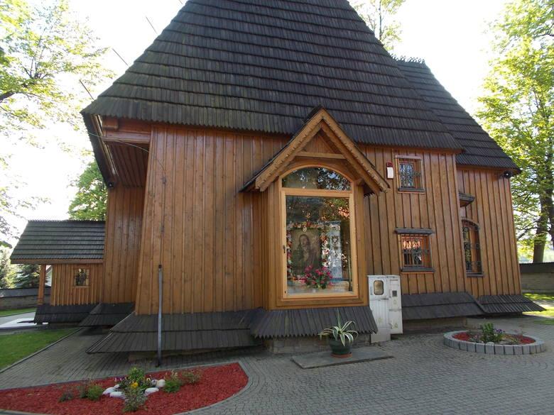 Parafia św. Wojciecha KrzeczówTu w nabożeństwach może uczestniczyć maksimum 10 osób. Pierwszeństwo mają ci, którzy zamówili intencje.