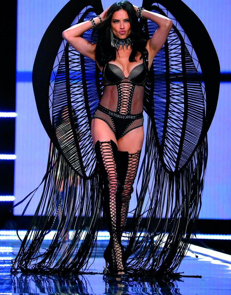 Historia Victoria's Secret. Piękne kobiety, wielkie pieniądze i tragedia w tle
