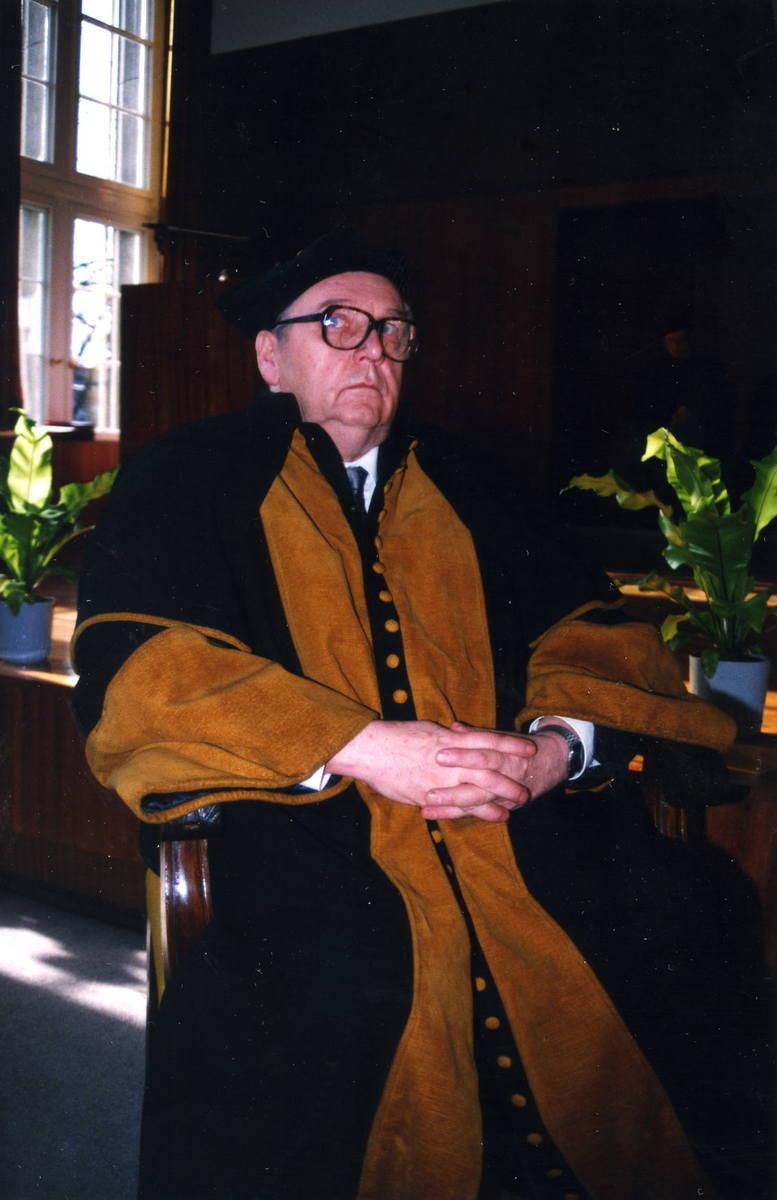Prof. Kazimierz Urbanik (1930-2005) jako doktor honoris causa Politechniki Wrocławskiej.