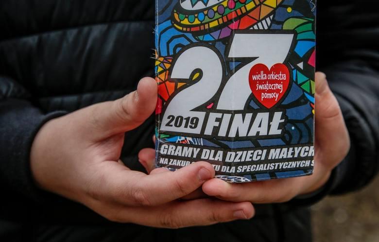 Podczas 27. finału WOŚP prezydent Adamowicz zbierał datki do puszki. Udało mu się zebrać 5,6 tysięcy złotych - internautka wpadła na pomysł, by zapełnić