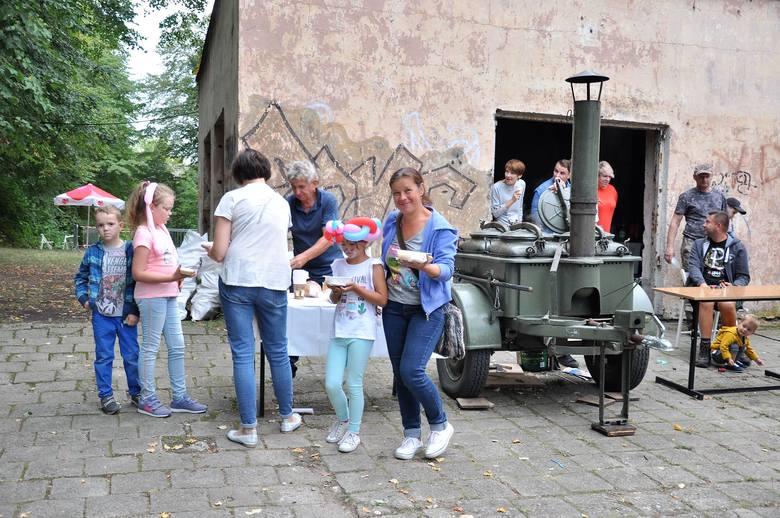 Piknik Fort&Roll: kuchnia polowa, zwiedzanie fortu i koncert