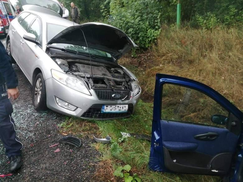 Do groźnie wyglądającego zdarzenia doszło w poniedziałek około godz. 09:18 na drodze nr 163 przed miejscowością Broczyno. Poinformowała o tym na swoim