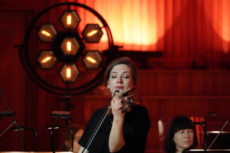 """Maria Sławek i Orkiestra Kameralna Capella Bydgostiensis pod batutą Kaia Bumanna przygotowali koncert """"Na urodziny Mozarta"""". Premiera 22 stycznia 2021"""