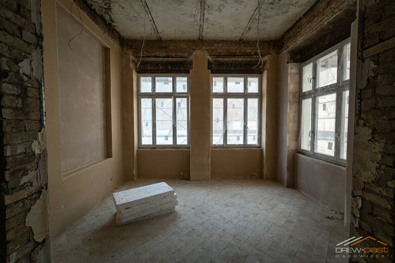 Zabytkowa Willa Jaehnego w Gorzów nabiera kolorów. Na budynku pojawiła się już nowa elewacja!