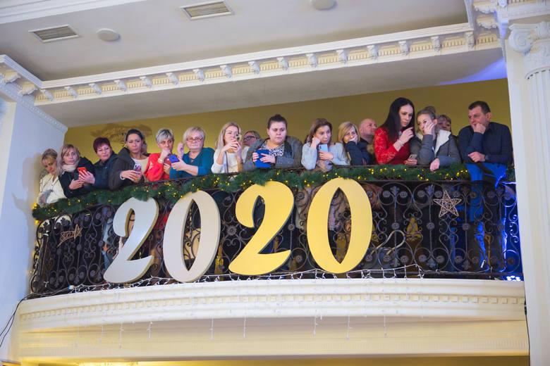 W sobotę 11 stycznia w słupskim Aureusie odbyła się studniówka uczniów Zespołu Szkół Agrotechnicznych w Słupsku. Zobacz galerię zdjęć.Pozostałe zdjęcia