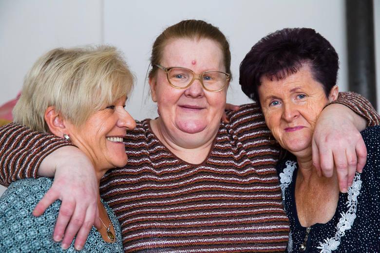 Siostry, które nie znały się, spotkały się po 56 latach!