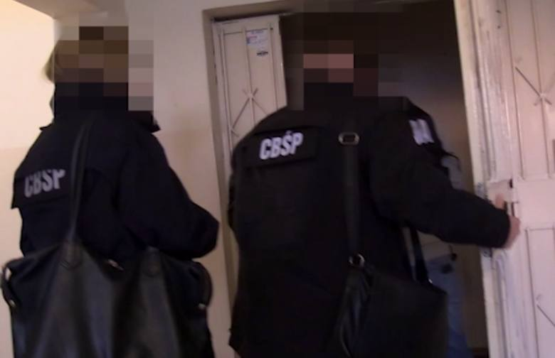 W minionym tygodniu funkcjonariusze CBŚP przeprowadzili akcję, w trakcie której zatrzymali 5 mężczyzn w wieku od 32 do 54 lat z województwa mazowieckiego