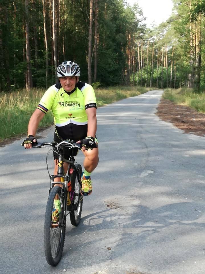 Tylko w 2019 r. Andrzej Jakubaszek przejechał na rowerze 4 tys. km