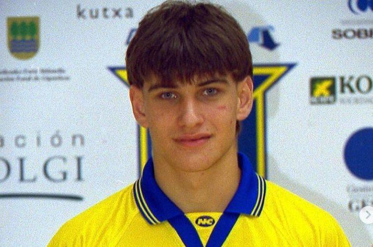 Po siedmiu latach gry, hiszpański obrotowy Julen Aginagalde odszedł z drużyny piłkarzy ręcznych PGE VIVE. Bask wróci do swojego macierzystego klubu,