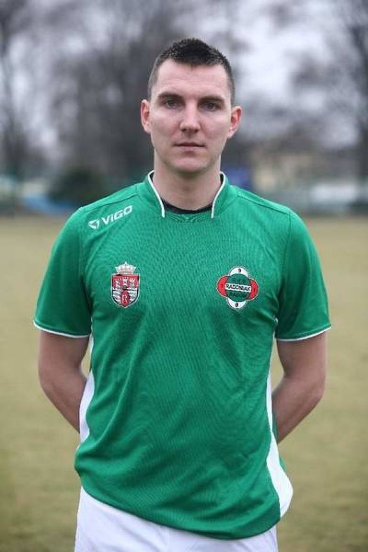 JACEK MORYC - obrońcaGrał w Radomiaku w sezonach 2011/2012 i 2012/ 2013. Obecnie gra w swoim klubie, którego jest wychowankiem, Wichrze Kobyłka.