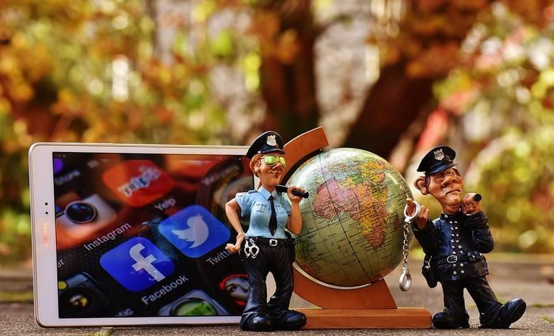 Podobnie jak zaburzenia odżywiania, potrzeba bycia na bieżąco z informacjami publikowanymi w mediach społecznościowych dotyczy przede wszystkim dzie