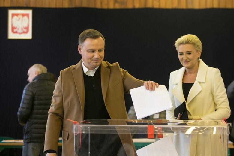 Prezydent Andrzej Duda zarządził wybory do Sejmu i Senatu na 13 października 2019 roku. Na zdjęciu: prezydent z żoną Agatą Kornhauser-Dudą podczas ubiegłorocznego