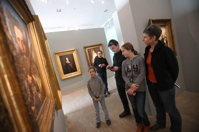 Muzeum Śląskie w Katowicach zostało otwarte 26 grudnia w drugi dzień świąt Bożego Narodzenia. I był strzał w dziesiątkę. W katowickim muzeum zjawiło