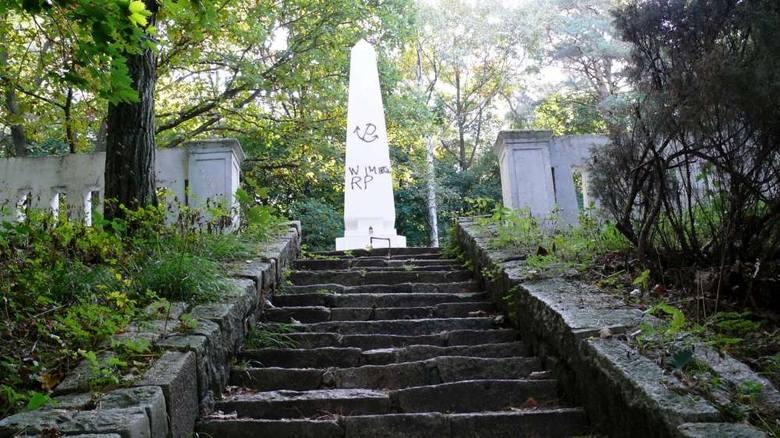 Leszkowo: Pomnik radzieckich żołnierzy zbezczeszczony!