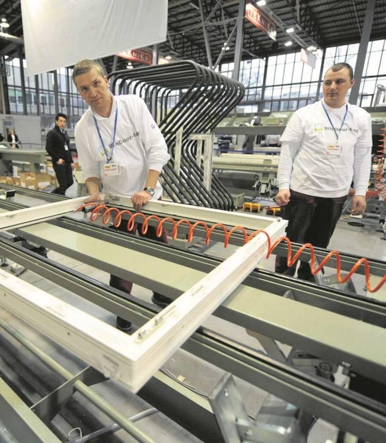 Krakowski Oknoplast sprzedaje za granicą milion okien i drzwi rocznie