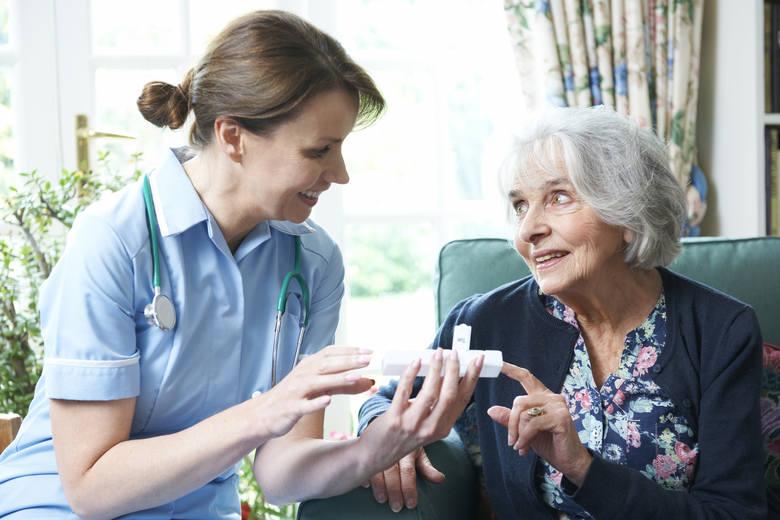 Opieka medyczna nad seniorami. Nowoczesna Podstawowa Opieka Zdrowotna