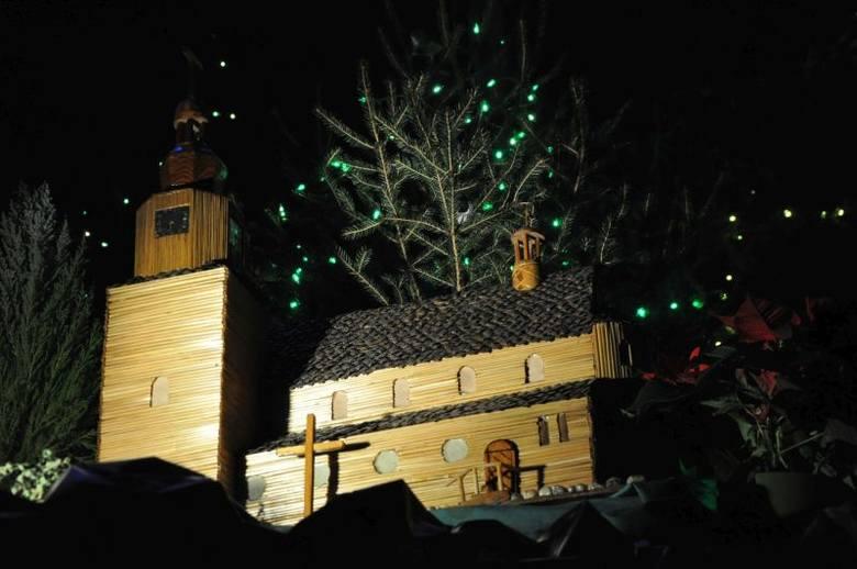 Szopka bożonarodzeniowa w kościele pw. Narodzenia Najświętszej Maryi Panny w Bodzanowicach.