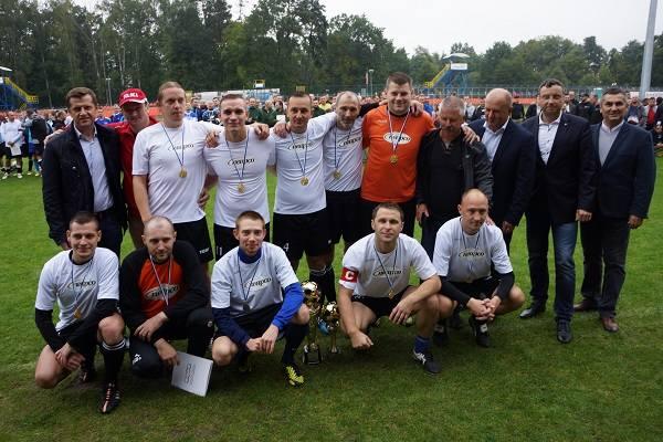 18 drużyn piłkarskich zmierzyło się w turnieju piłkarskim o puchar marszałka.