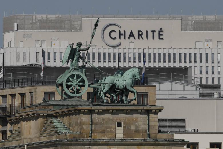 Aleksiej Nawalny już wstaje z łóżka. Laboratoria Szwecji i Francji: chciano go otruć Nowiczokiem