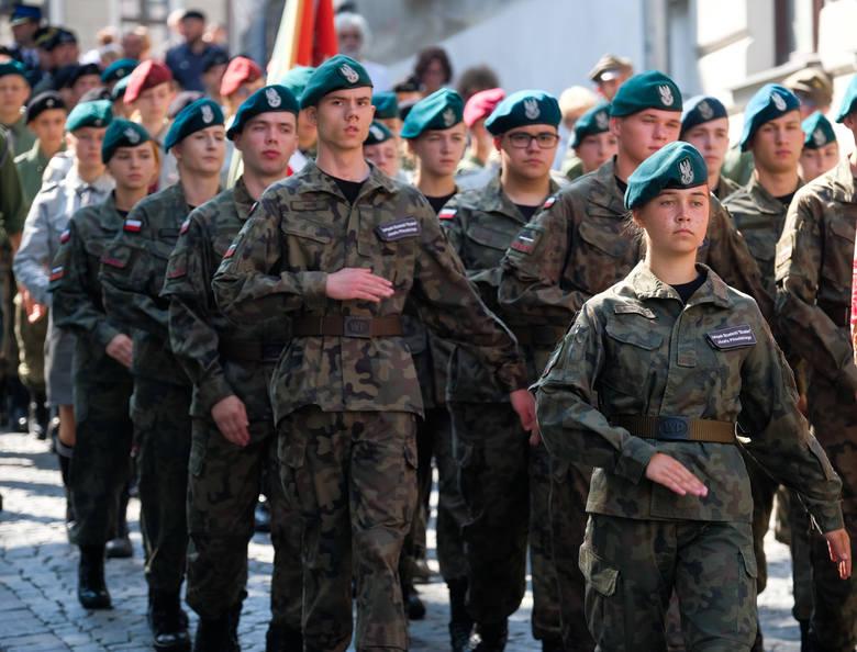 Przemyskie obchody 80. rocznicy wybuchu II wojny światowej rozpoczęły się w niedzielę o godz. 4.45 na Cmentarzu Wojskowym przy Grobie Nieznanego Żołnierza.