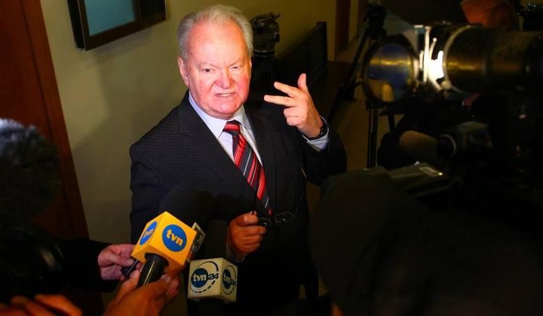 W lutym 2018 roku więzienie opuścił poznański seksuolog, prof. Lechosław Gapik. Za kratkami spędził cztery lata. Skandal ze znanym terapeutą w roli głównej wybuchł w marcu 2010 roku. Telewizja TVN wyemitowała reportaż dotyczący metod pracy prof. Gapika. Dowodem było m.in. nagranie z ukrytej...