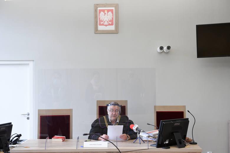 Jest wyrok za śmierć 2 dziewczynek pod Chełmżą! Kierowca zabił małą Julkę i własną dziewczynę