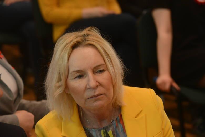 Wójt gminy Trzebiechów w powiecie zielonogórskim, Izabella Staszak, zachęca do zapisywania się na szczepienie przeciwko grypie. Jest ono dedykowane osobom powyżej 60 roku życia.