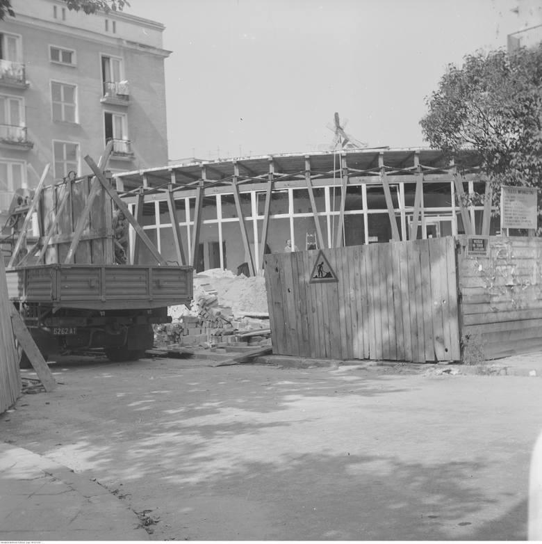 Kawiarnia przy ul. Akademickiej powstawał w latach 70-tych