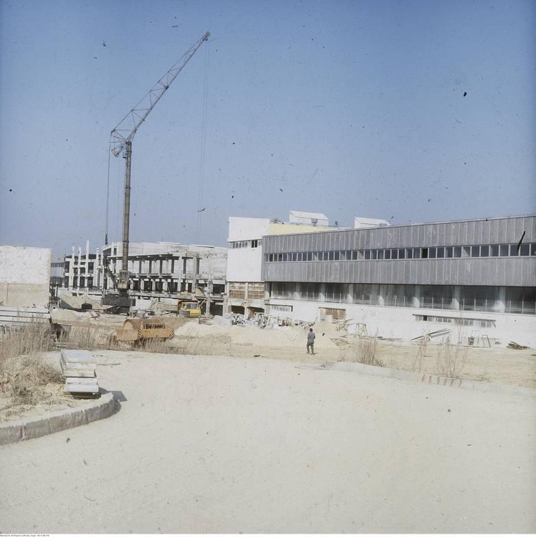 Pod koniec lat 70-tych powstały też hale fabryki Agnella