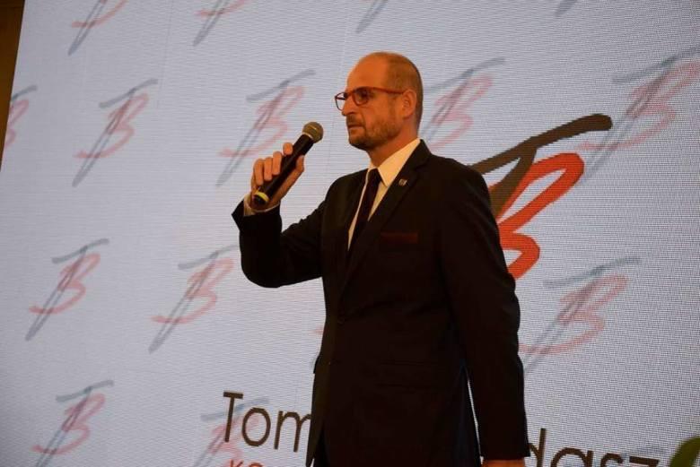 GnieznoNie będzie drugiej tury wyborów w Gnieźnie. Tomasz Budasz (Koalicja Obywatelska) wygrał przed Pawłem Kamińskim (PiS), Jerzym Lubbe (GPS) oraz