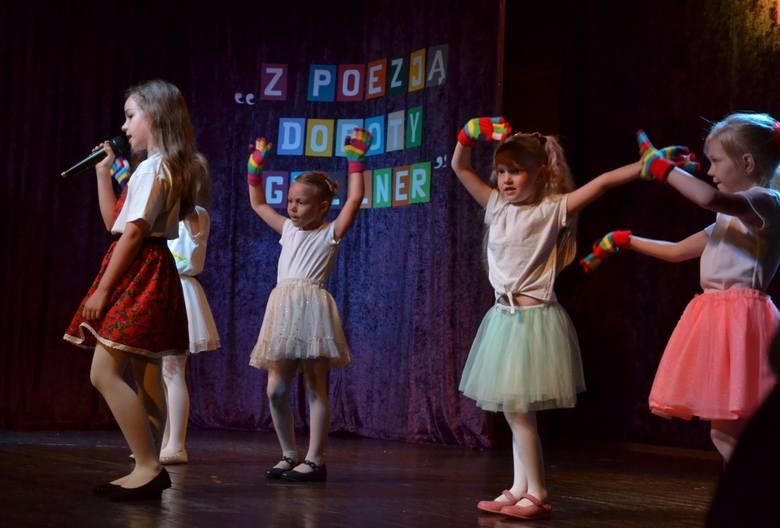 """W sobotę w lipnowskim kinie """"Nawojka"""" miał miejsce Festiwal Piosenki dziecięcej """"Z poezją Doroty Geller"""", zorganizowany przez Przedszkole Miejskie nr"""