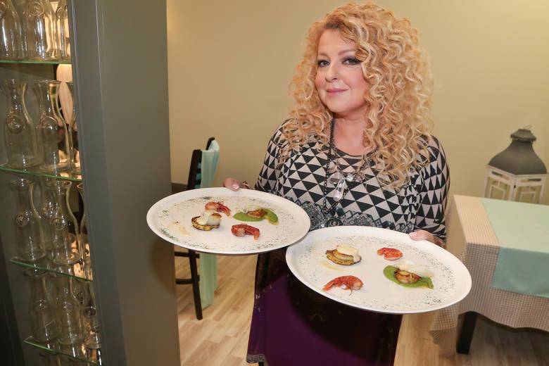 """Magda Gessler to polska restauratorka, właścicielka oraz współwłaścicielka kilkunastu restauracji. W stacji TVN prowadzi nie tylko """"Kuchenne rewolucje"""","""