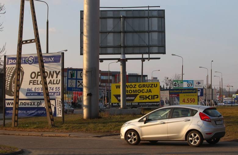 Elementy szpecące przestrzeń i zakłócające jej charakter często są przedmiotem interwencji zgłaszanych do Urzędu Miasta - twierdzi Piotr Sobczak, architekt