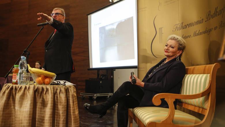Na aukcji pojawiły się dzieła sztuki takich artystów jak: Magdalena Abakanowicz, Zdzisław Beksiński, Józef Hałas, Jarosław Modzelewski, Katarzyna Kozyra,