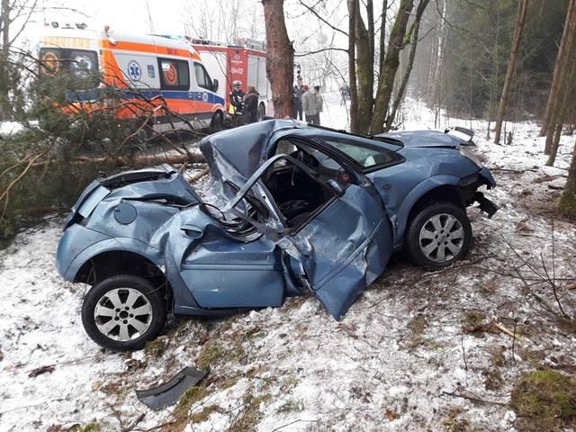 Funkcjonariusze Komendy Powiatowej Policji w Mońkach poszukują świadka wypadku drogowego.