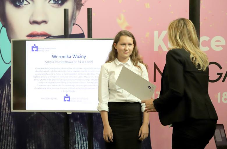 Gala wręczenia stypendiów dla uczniów i nagród dla nauczycieli od Łódzkiego Stowarzyszenia Pomocy Szkole