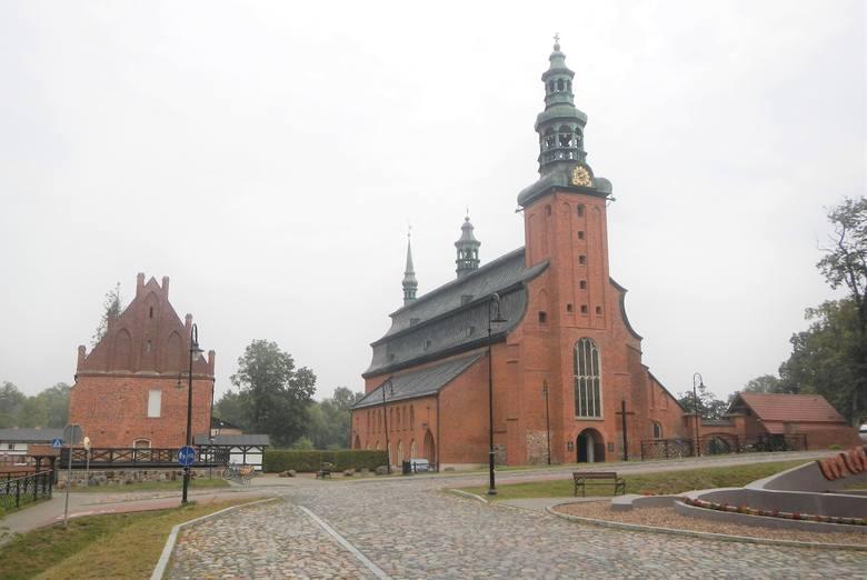 Tam, gdzie kościół kryje wieko trumny. To niezwykłe Kartuzy