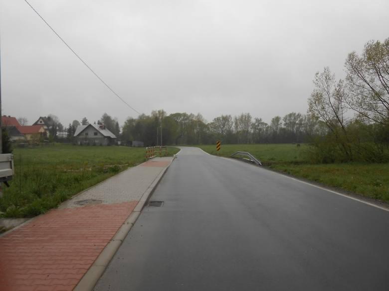 Rozbudowa drogi powiatowej nr 1665K Skawa - Raba Wyżna w miejscowości Skawa Koszt inwestycji - 5 995 097,59 zł Wartość dofinansowania  - 2 997 549,59