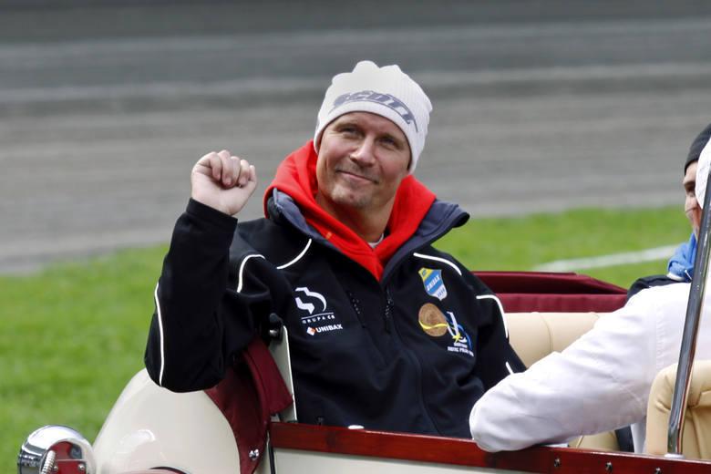Per Jonsson, indywidualny mistrz świata na żużlu z 1990 roku, sparaliżowany po wypadku w derbach Pomorza w Bydgoszczy, do dziś pozostaje idolem kibiców