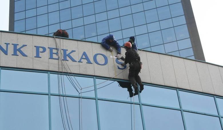 Klienci Pekao mogą spodziewać się, że ich przelew zostanie wysłany po godz. 11.00, 15.00 i 17.00. Natomiast, gdy sami spodziewają się danego dnia pieniędzy,