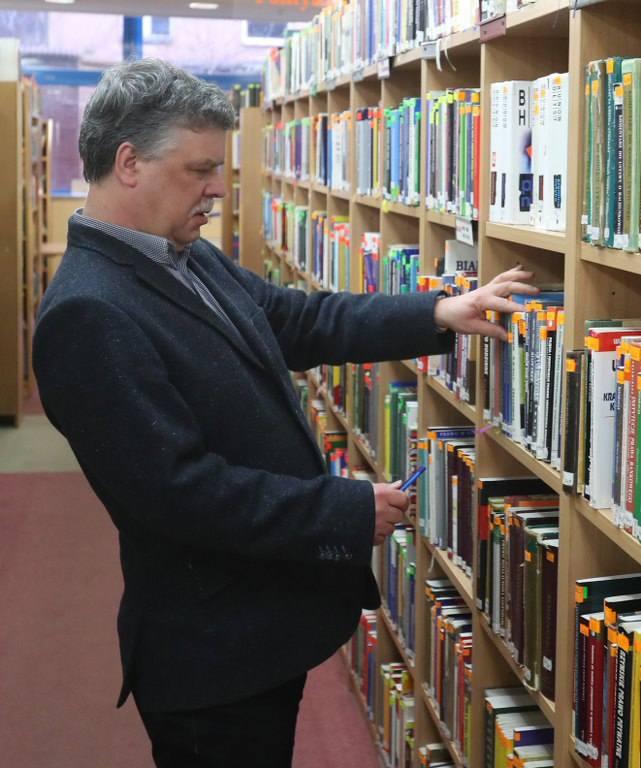 Co czytają szczecinianie, czyli krótki przegląd półek z książkami