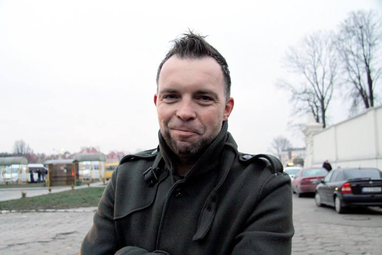 Marcin Wójcik z kabaretu Ani Mru-Mru podpowiada, że lepiej sobie wymyślić takie postanowienie, które będzie nam łatwiej zrealizować w ciągu roku